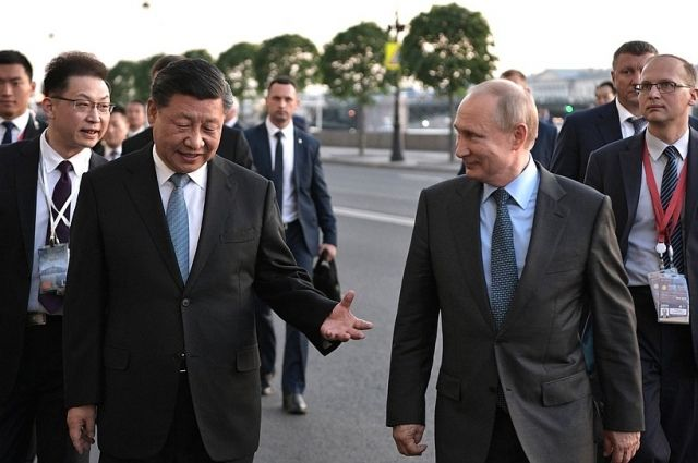Главы России и Китая