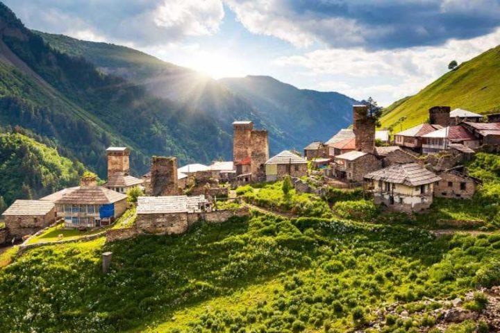 Деревня в горах Грузии