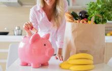 Девушка экономит на продуктах