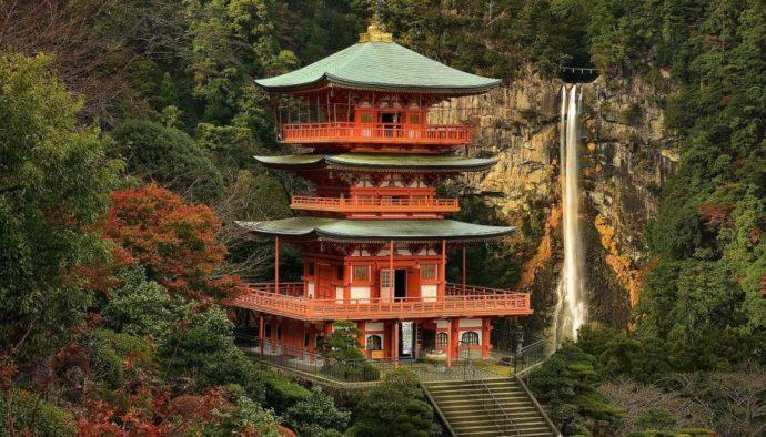 Синтоистский храм в Японии