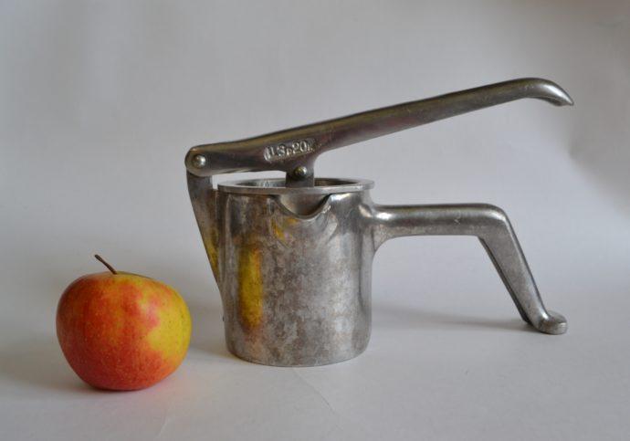Сокодавилка для яблок