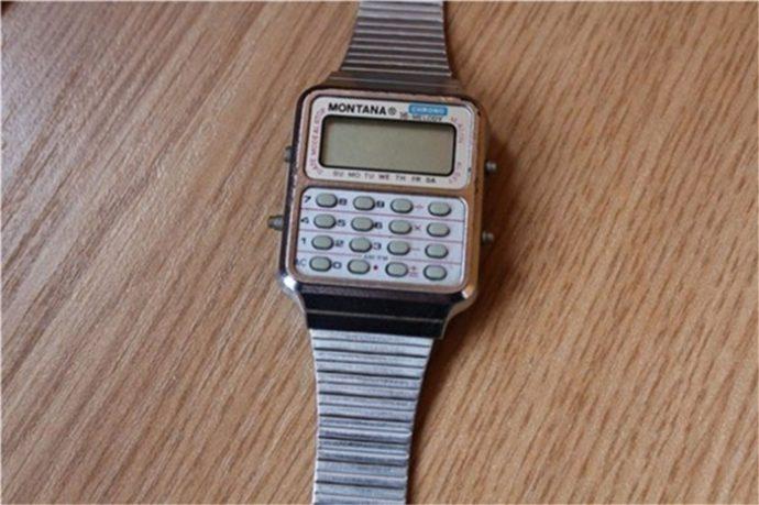 Часы с калькулятором Монтана