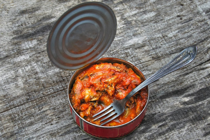 Рыбная консерва в томате