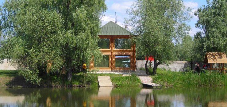 База отдыха на реке