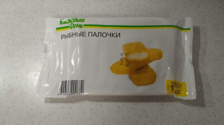 Рыбные палочки в упаковке