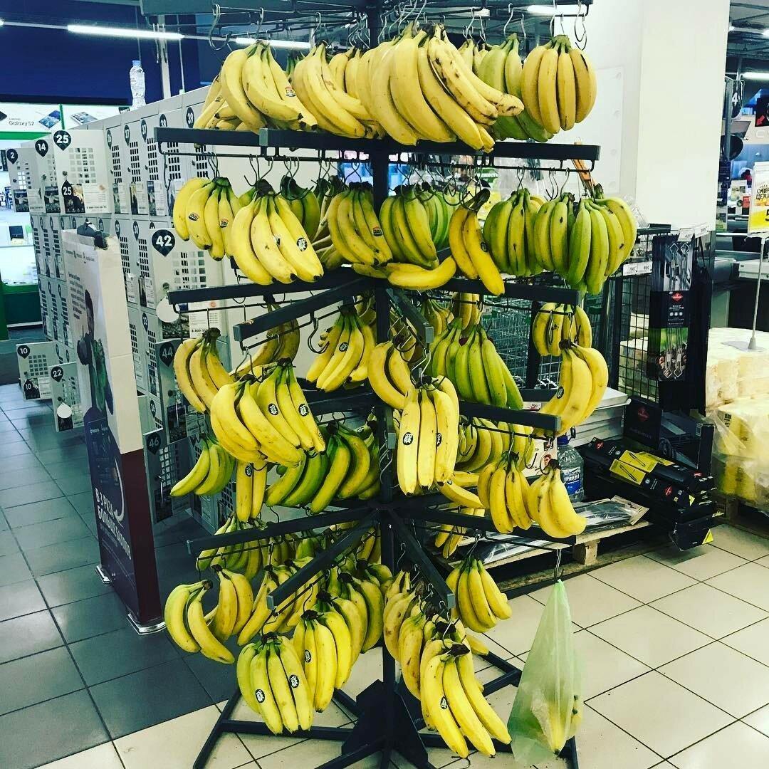 Вешалка с бананами