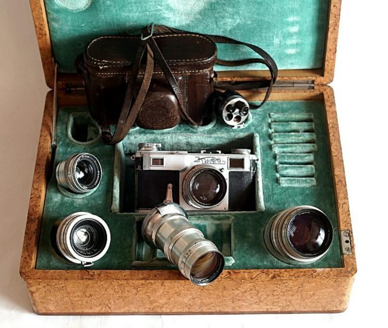 Профессиональная советская фототехника в чемодане