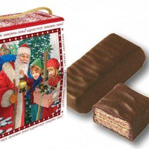 вафельная конфета и новогодний подарок