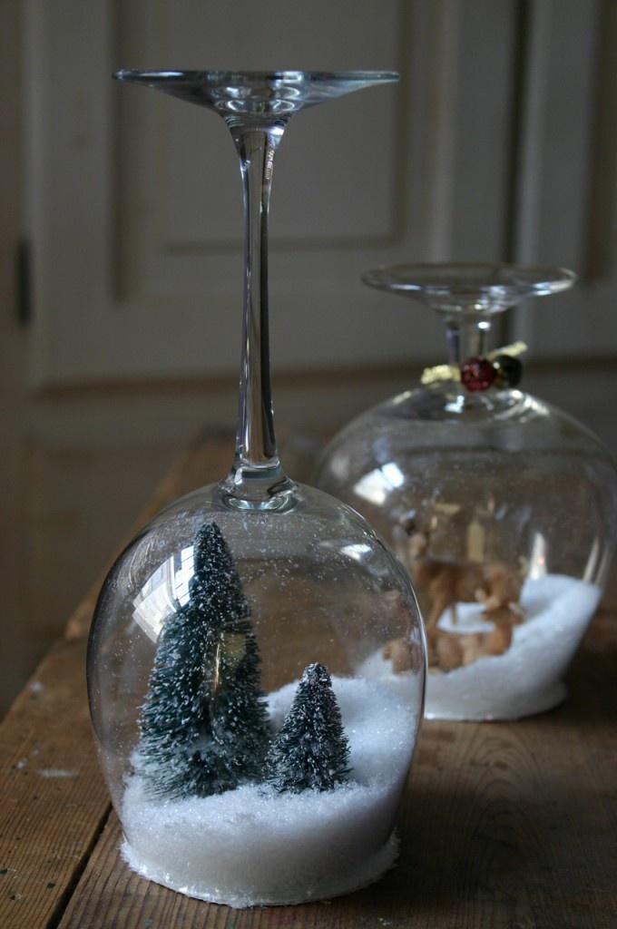 Снежный шар из бокалов