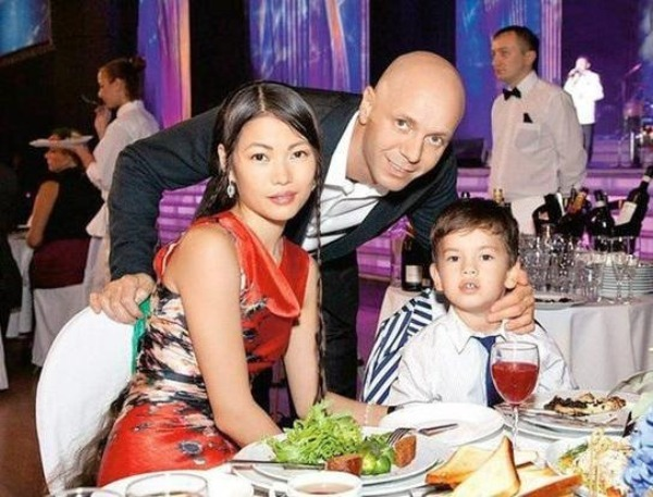 Андрей Кобзон с семьей