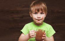 Ребенок и какао
