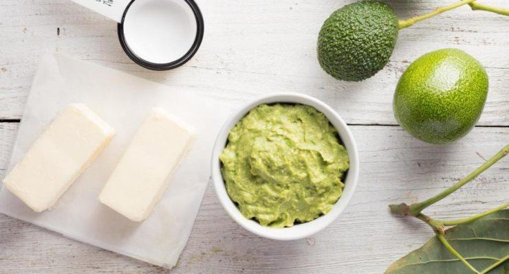Соевый сыр и пюре из авокадо
