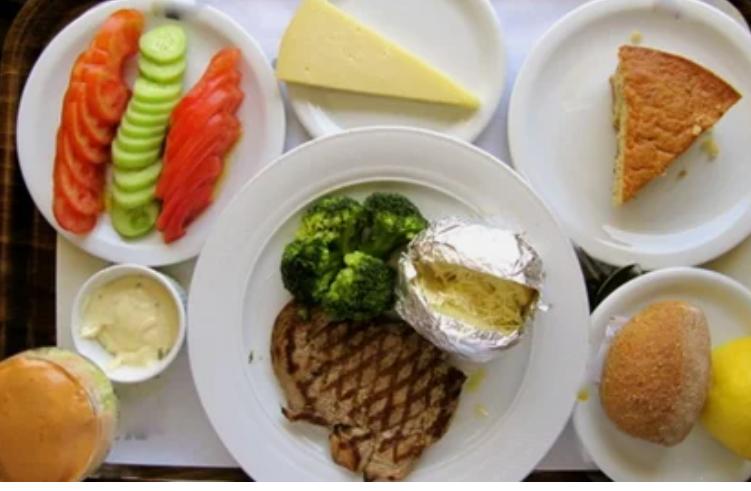 Обед в греческой больнице